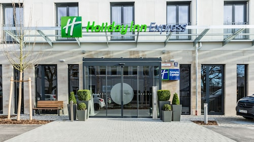 . Holiday Inn Express Munich - City East