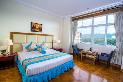 . Royal Inlay Hotel