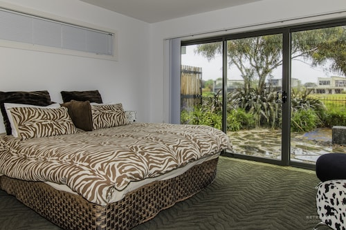 Lakeview 3 Bedroom House, Surf Coast - East