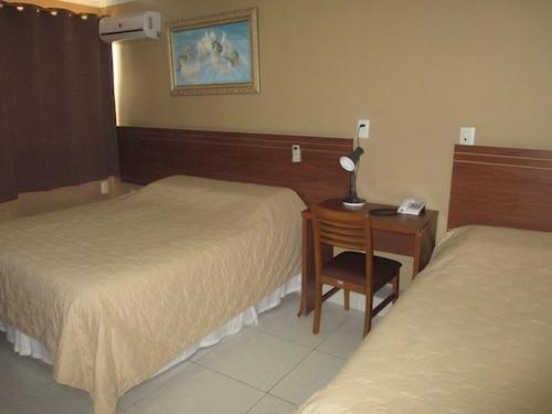 . Victor Plaza Hotel
