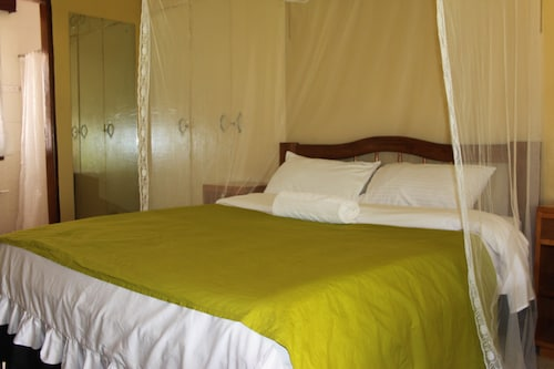 Serene Guest house, Entebbe