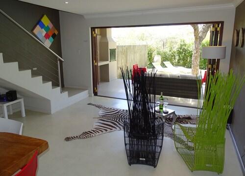 BushGlam Luxury Holiday Home, Mopani