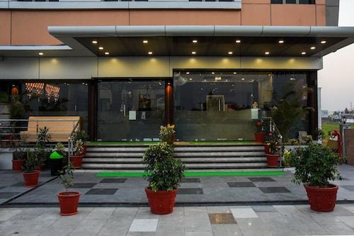 . Hotel Shyam Palace