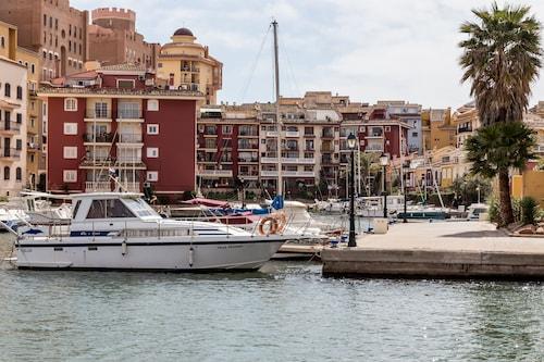 Travel Habitat Casa Port Saplaya, Valencia