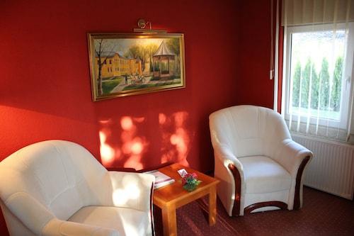 Timpa Apartmanház & Dr. Strecker Villa, Hévíz/Keszthely