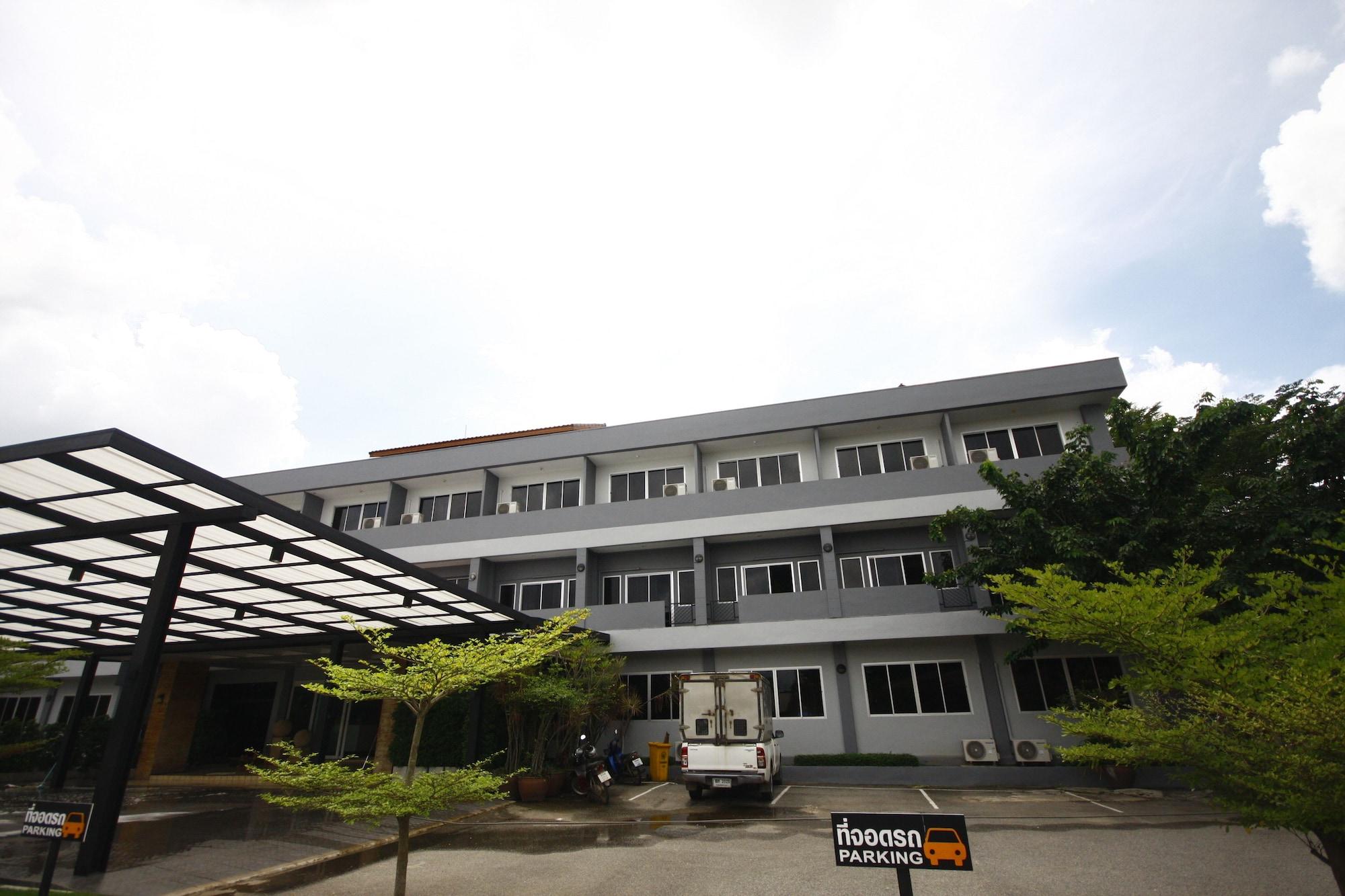 Pramsuk Hotel, Kabin Buri