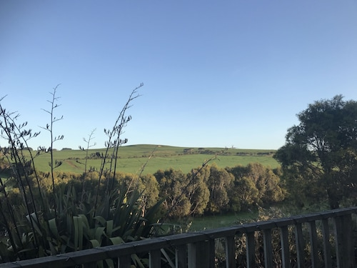 Hill's Creek Holiday Home, Corangamite - South