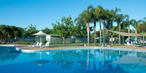 . Berri Riverside Holiday Park