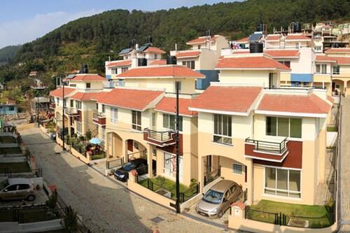 . Swayambhu Hotels & Apartments - Ramkot