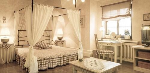 . Villa Rosa Restaurant & Pension