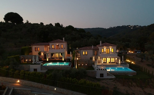 King Size Villas, Thessaly