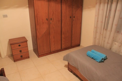 Family A like Spacious apartment, Amman
