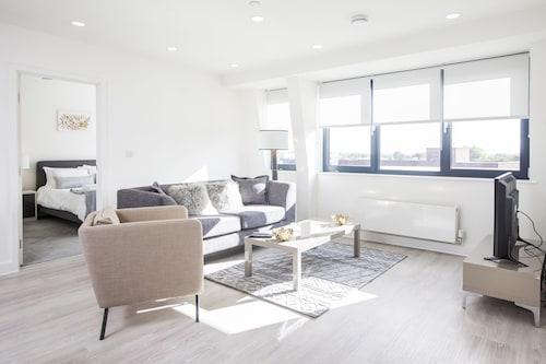 . City Stay Apartments - Platform