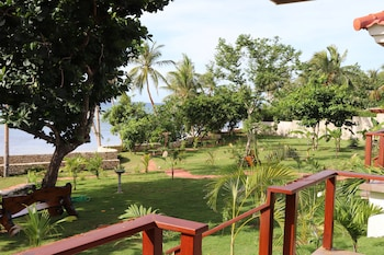 ISLAND VIEW BEACHFRONT RESORT Garden View