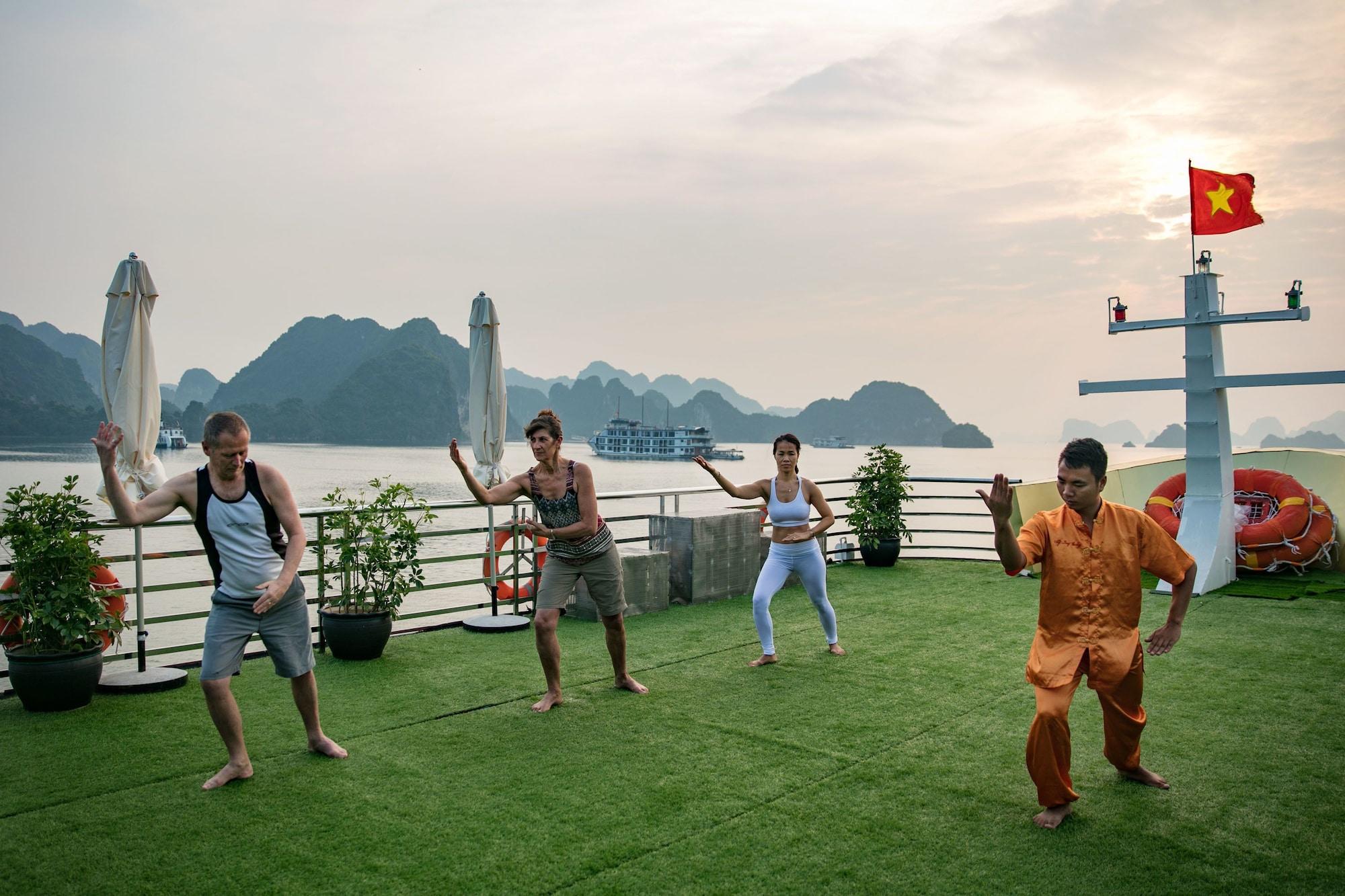 Maya Halong Cruises, Hạ Long