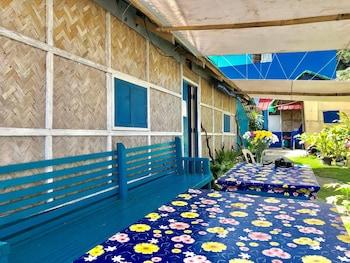 DEW DROP INN OCEANSIDE B&B Terrace/Patio