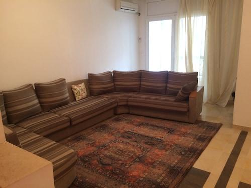 Joli Appartement, Bouhaira
