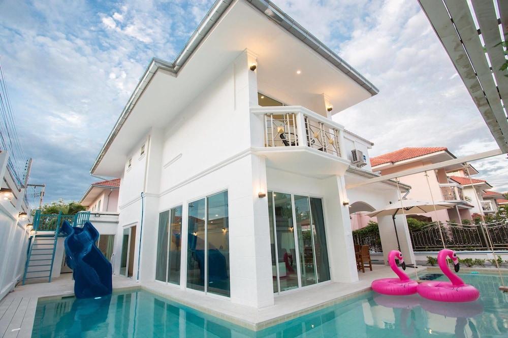 The Viewpoint 93 Pool Villa