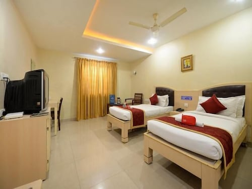 Hotel Tourist Palace, Hyderabad