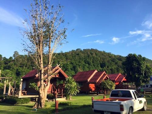 . Baan Phukaotoknam Resort