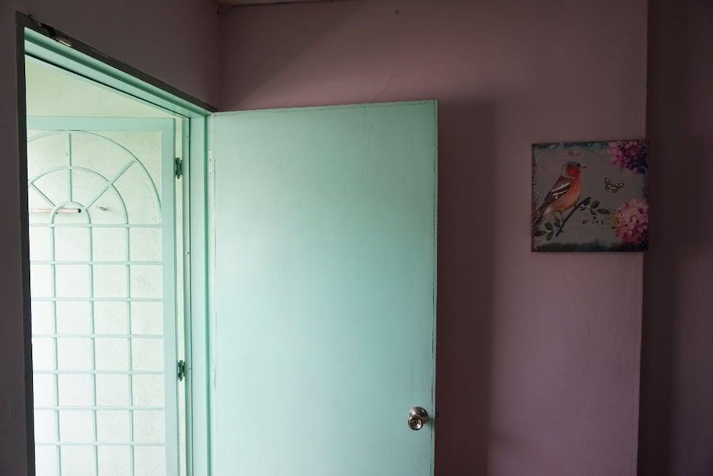 Three Little Birds Home - Hostel, Kota Melaka