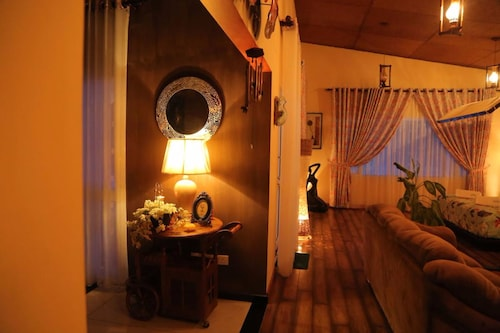 . Hotel Capri Mc