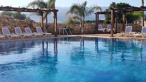 Olive Gardens Resort, Koura