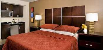 Guestroom at The Carriage House by Diamond Resorts in Las Vegas