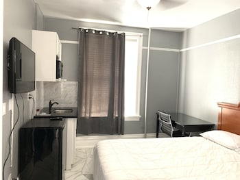 Economy Room, 1 Double Bed, Private Bathroom