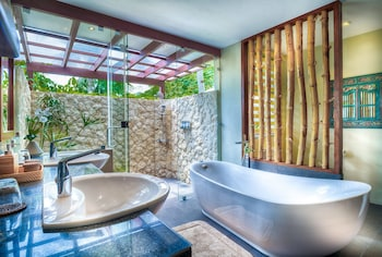 PURE SHORES VILLA Bathroom Amenities