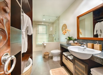 PURE SHORES VILLA Bathroom