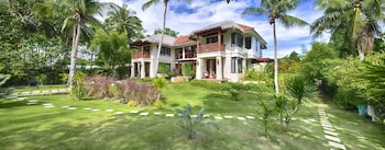 PURE SHORES VILLA