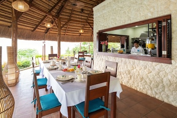 PURE SHORES VILLA Breakfast Area