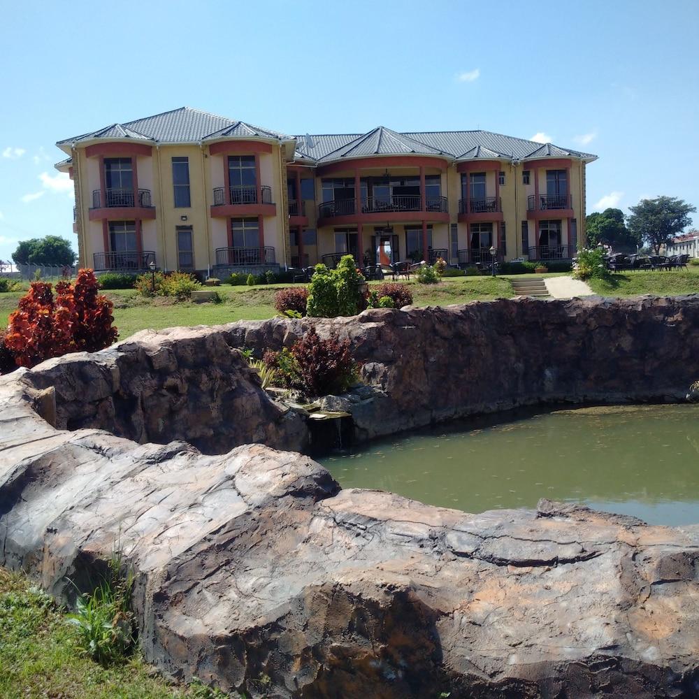 Hursey Resort Hotel