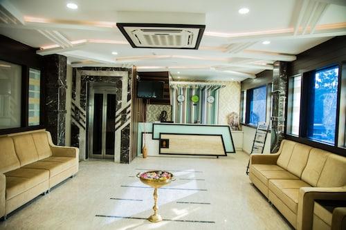 . Hotel Shreya