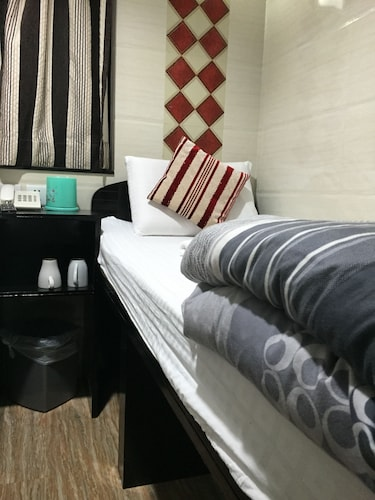 Prestige Guesthouse, Yau Tsim Mong
