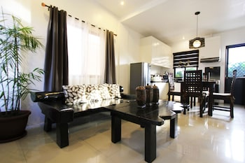 TAGAYTAY SUMMER HOUSE Featured Image