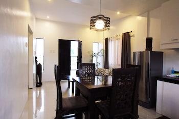 TAGAYTAY SUMMER HOUSE Interior