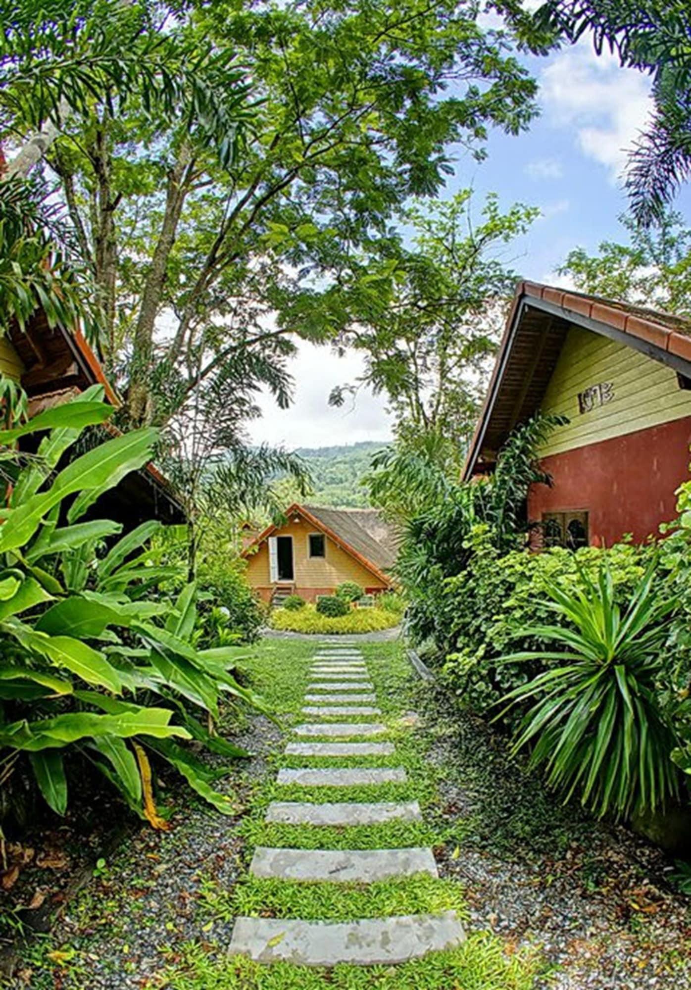 Loy Chalet Resort, Lan Saka