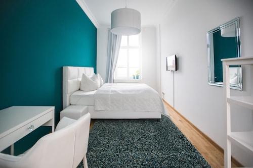 . Luga Homes – Stadthaus