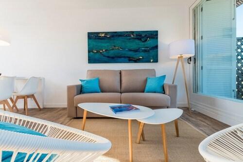 . Apartamentos Playa de Canutells
