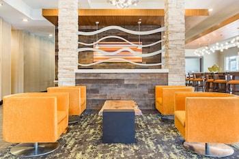 Lobby at Comfort Suites North Charleston - Ashley Phosphate in North Charleston