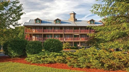 . Holiday Inn Club Vacations Oak n' Spruce Resort, an IHG Hotel