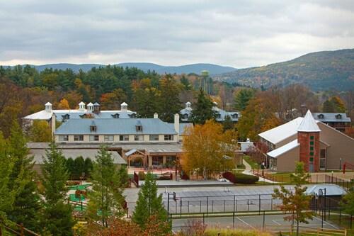 Holiday Inn Club Vacations Oak n' Spruce Resort, Berkshire