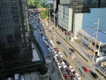 PREMIUM RESIDENCE THE CURRENCY ORTIGAS View from Property