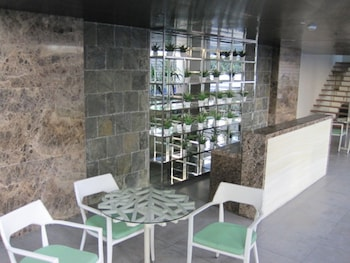 PREMIUM RESIDENCE THE CURRENCY ORTIGAS Outdoor Dining