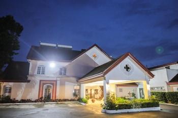 VILLA IBARRA Front of Property - Evening/Night