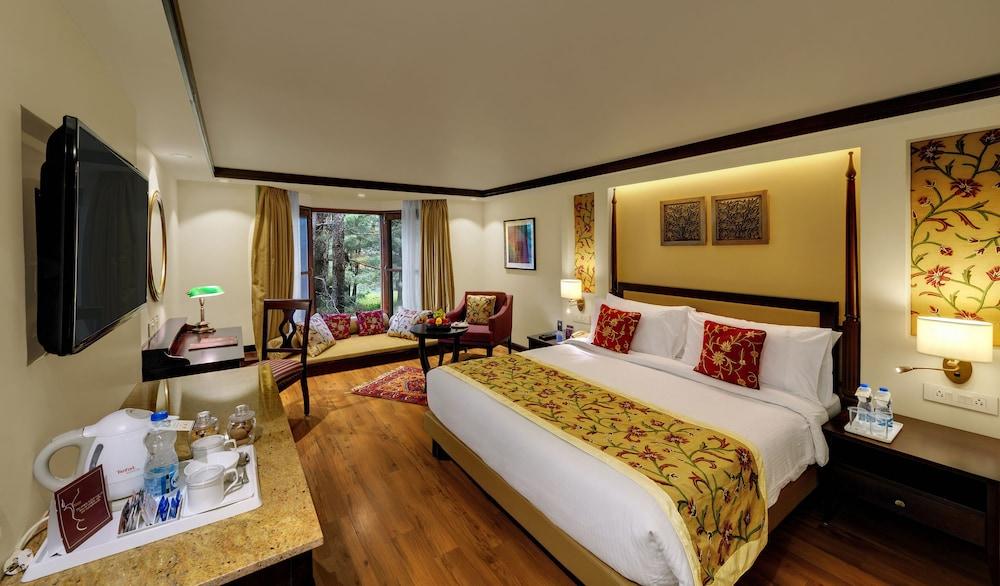 https://i.travelapi.com/hotels/21000000/20950000/20944700/20944700/2c9465f0_z.jpg