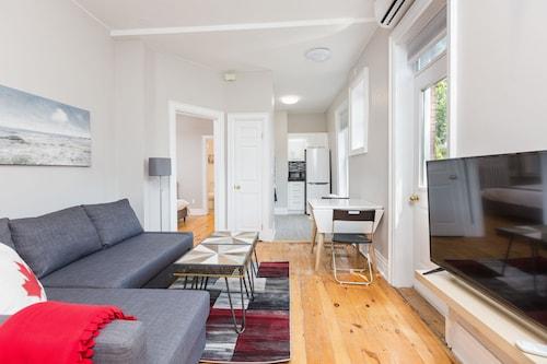 . Applewood Suites - The Annex Lofts