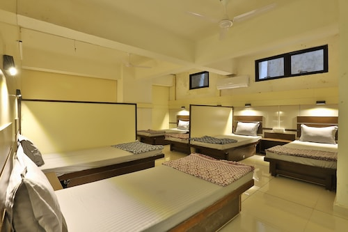 NIGHT-HALT Dormitory, Ahmadabad